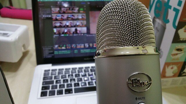 Podcasting to Gain Expert Status [Video]