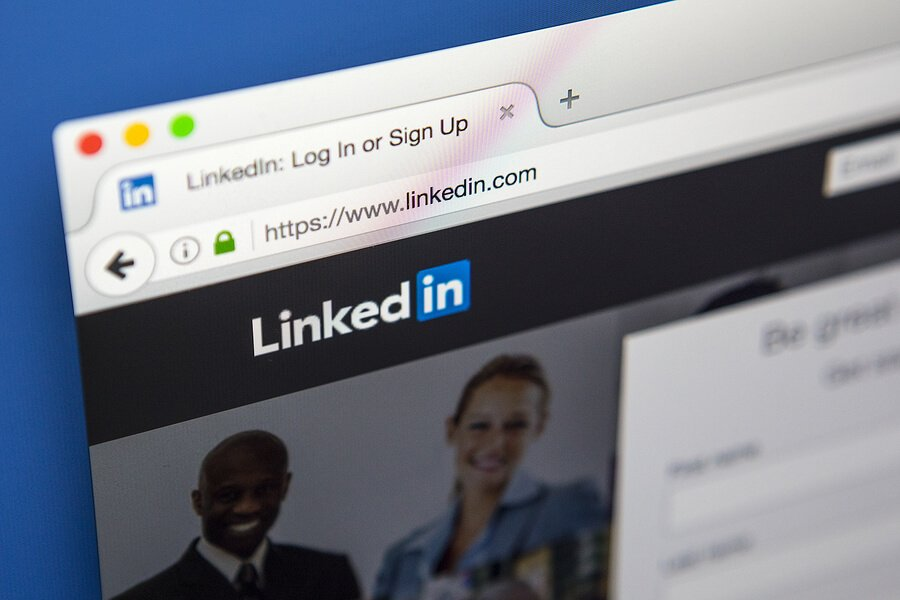 Grow Your LinkedIn Network During the Holidays